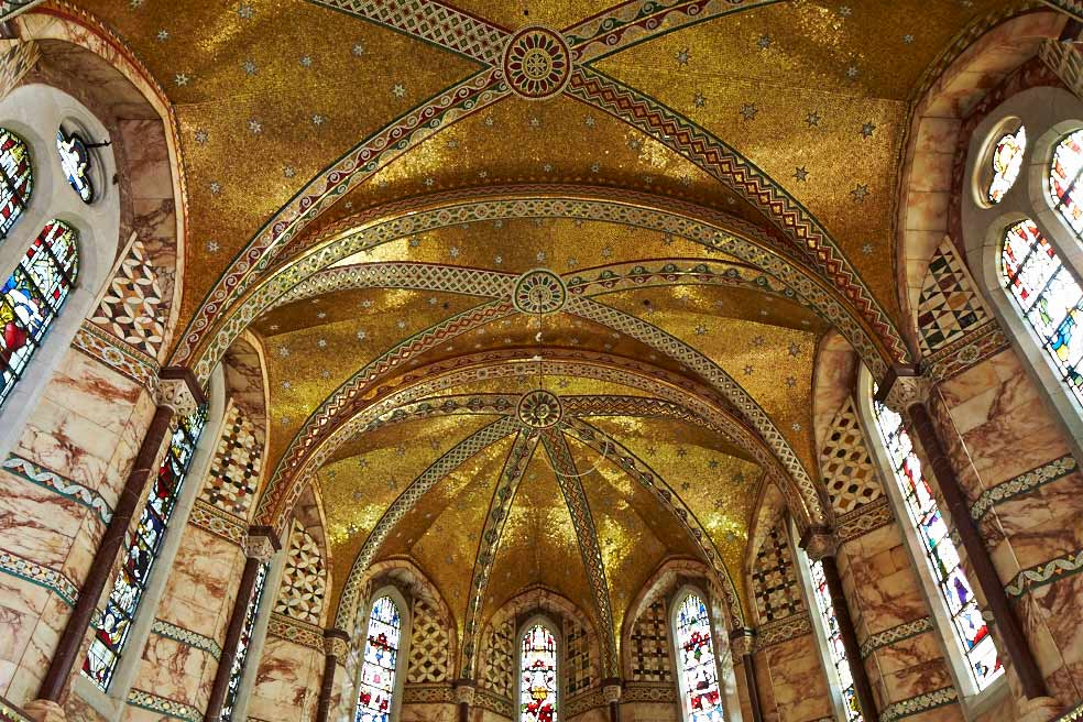 Why is the Fitzrovia Chapel so needlessly beautiful?