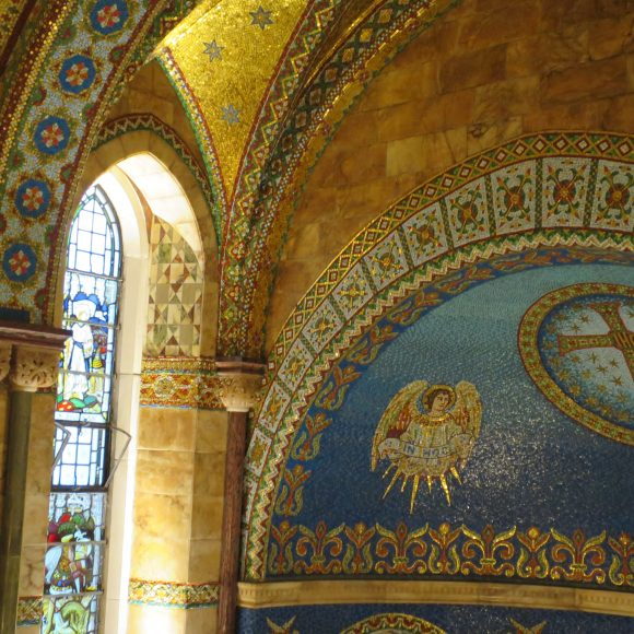Share your views about the Fitzrovia Chapel